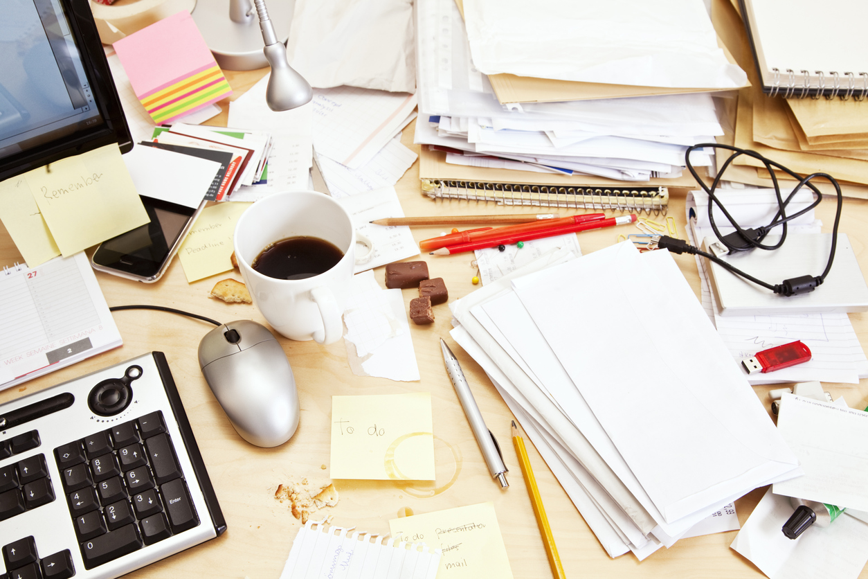 decluttering-your-desk-complete-shredding-solutions