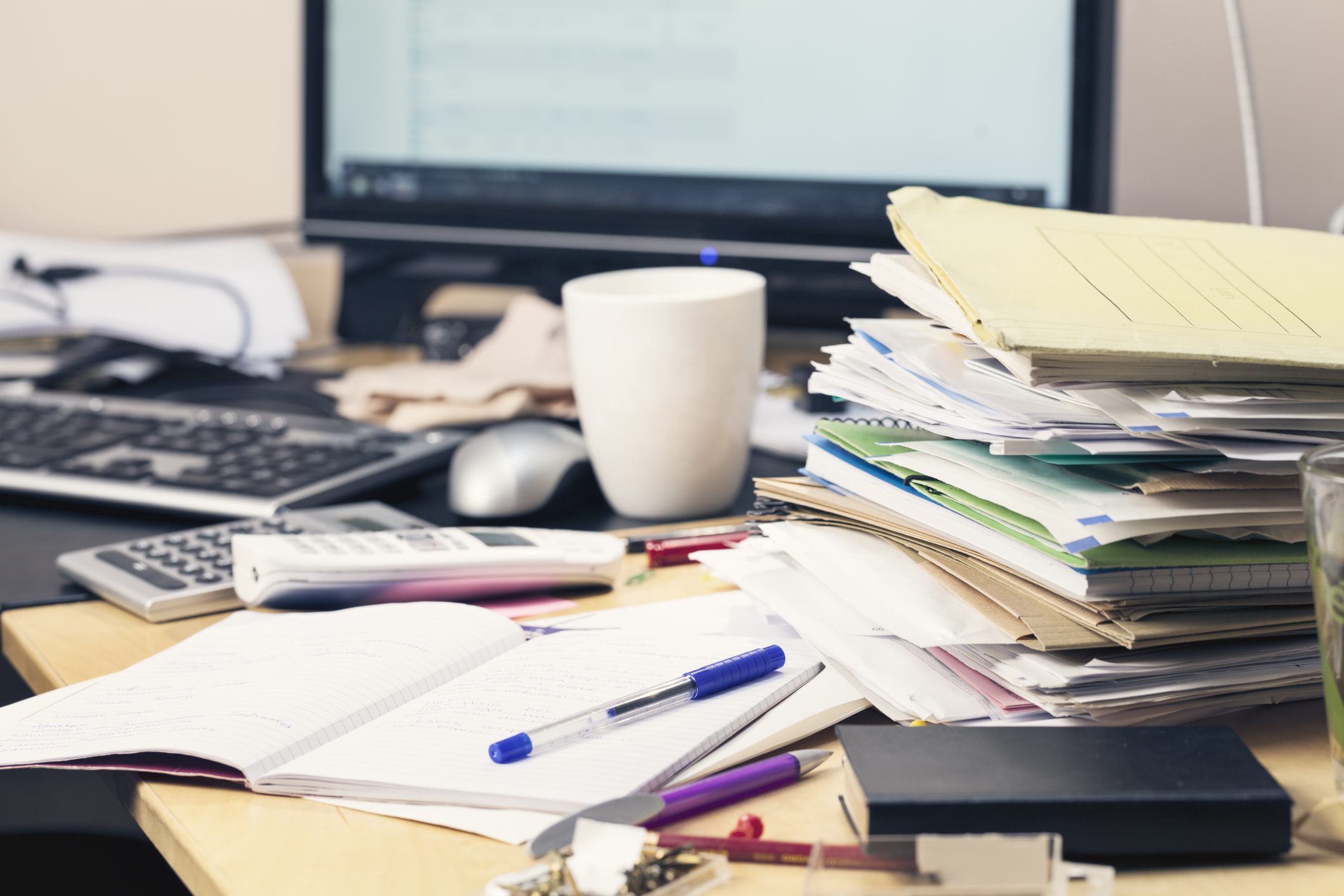 work-habits-that-put-your-information-at-risk-complete-shredding-solutions